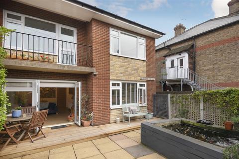 2 bedroom flat - St. Peters Park Road, Broadstairs