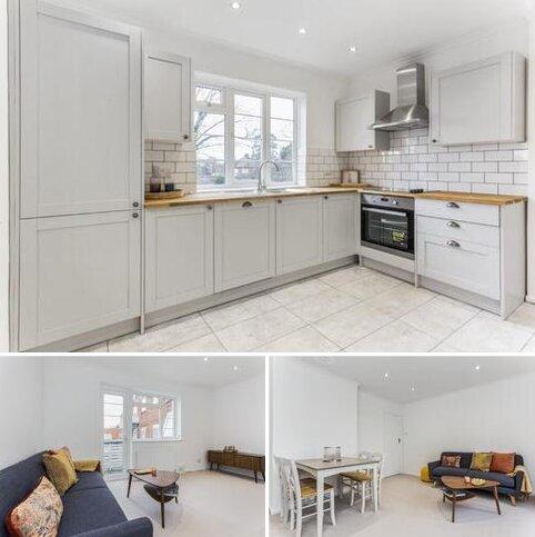 2 bedroom flat for sale - Garden Close, Ruislip, HA4 6DB