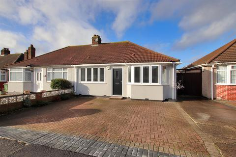 2 bedroom semi-detached bungalow - Wenvoe Avenue, Bexleyheath, Kent, DA7 5BU