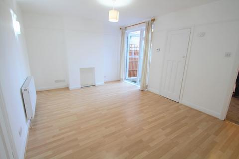 1 bedroom flat to rent - Penton Avenue, Staines-Upon-Thames, TW18