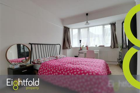 5 bedroom semi-detached house to rent - Lower Bevendean Avenue, Brighton