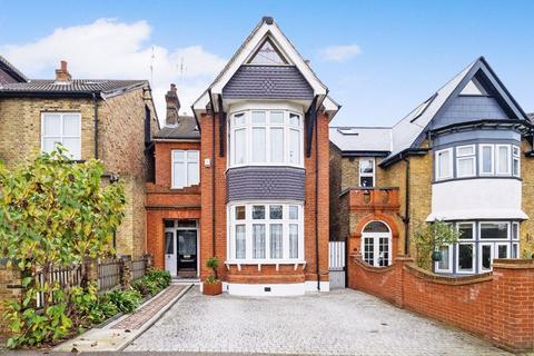 6 bedroom detached house for sale - Junction Road, Romford