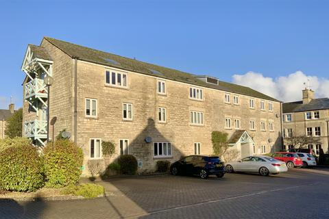 2 bedroom flat - Tower Street, Cirencester
