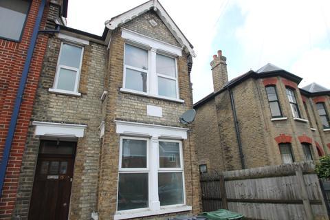 7 bedroom semi-detached house to rent - Westbury Road, Walthamstow E17