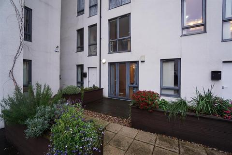 2 bedroom flat for sale - Base, Trafalgar Street, City Centre, Sheffield, S1 4LQ