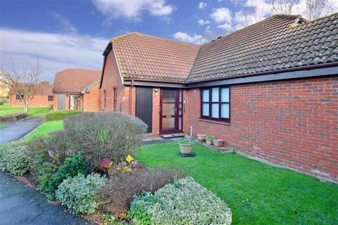 2 bedroom terraced bungalow for sale - Bramley Court, Marden, Kent, Kent