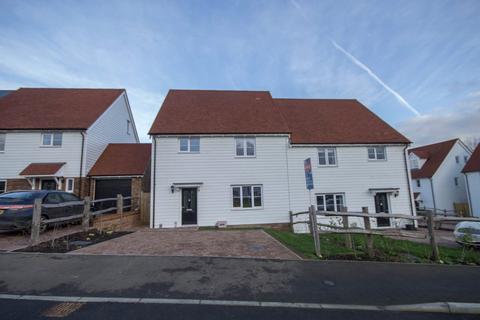 4 bedroom semi-detached house to rent - Stockwood Meadow, Staplecross