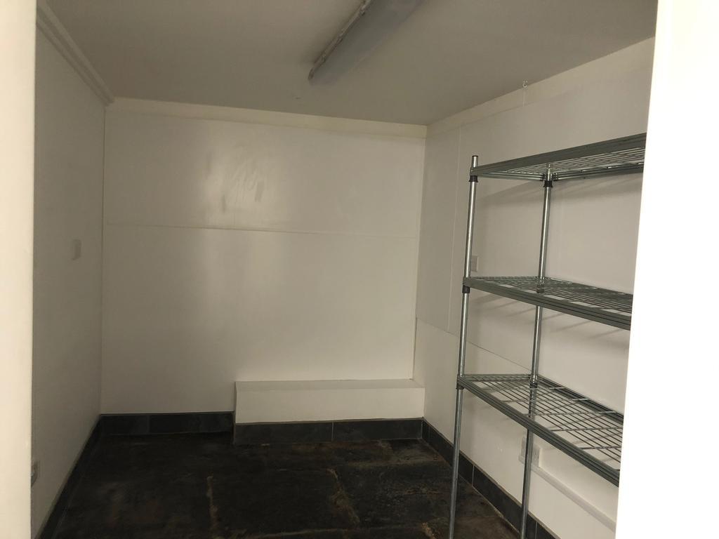 Basement Room Pic B