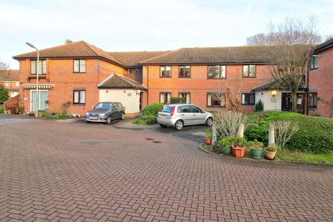 2 bedroom apartment for sale - The Doultons, Octavia Way, Staines-upon-Thames