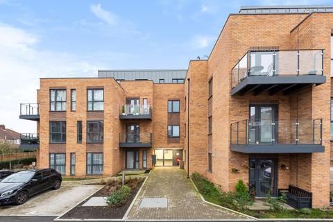 2 bedroom flat for sale - London Road,  Richmond,  TW3