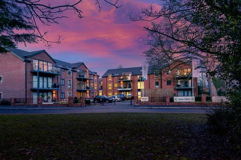2 bedroom retirement property for sale - Property21, at Stapleton Court Tranby Lane HU14