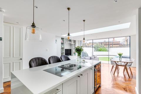 5 bedroom terraced house - Calbourne Road, London, London, SW12