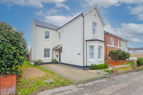 3 bedroom detached house for sale - Church Hill, Colchester