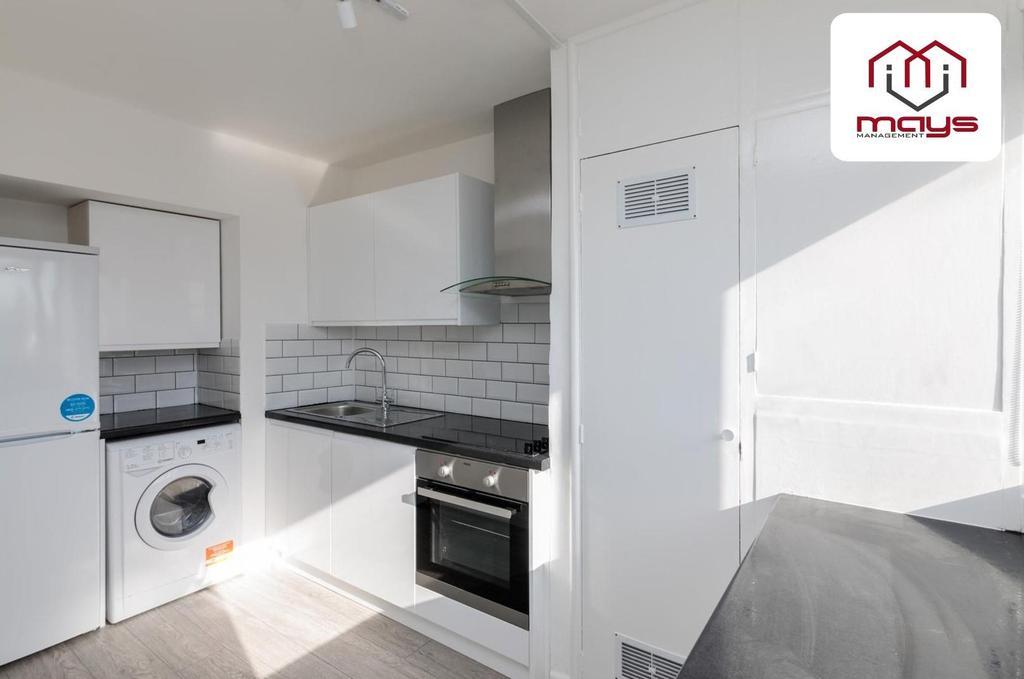 Kitchen and washing machine.jpg