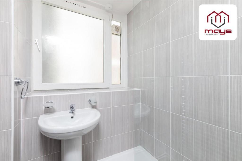 Bathroom taps.jpg