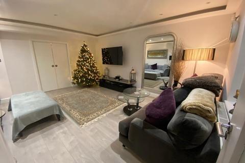 4 bedroom semi-detached house - Noel Road, Acton, W3