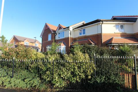 3 bedroom house to rent - Lavender Avenue, Minster On Sea, Sheerness