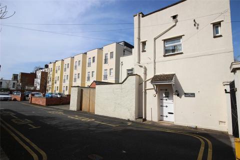 Jersey Avenue, Cheltenham, GL52 3 bed detached house - £500,000