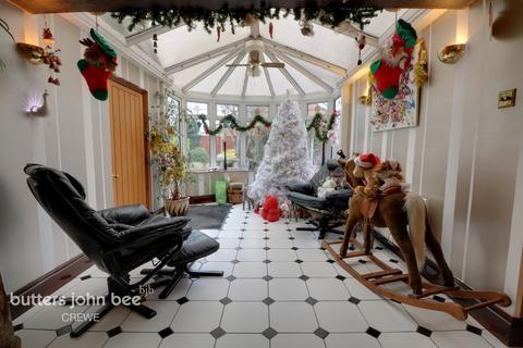 3 bedroom detached house for sale - Burlea Drive, Crewe