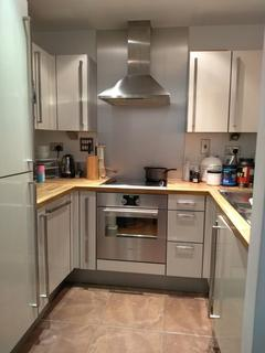 1 bedroom flat share - Elektron Tower, 12 Blackwall Way, London E14