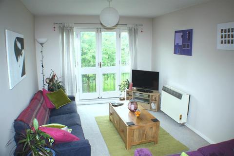 2 bedroom flat - Grange Road, Bermondsey, London, SE1 3BW