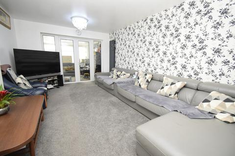 3 bedroom semi-detached house for sale - Briar Meads, Oadby, Leicester