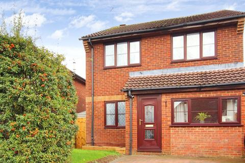 3 bedroom detached house - Ramleaze Drive, Ramleaze, Swindon, Wiltshire, SN5