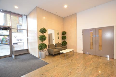 Studio to rent - Week Street Maidstone ME14