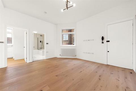 2 bedroom flat for sale - Oakhill Road, SW15