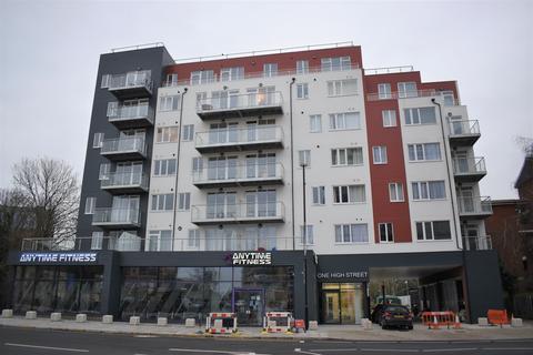 2 bedroom flat to rent - One High Street, Feltham, TW13