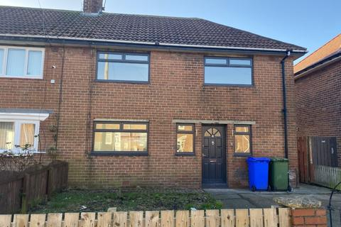 3 bedroom semi-detached house to rent - Callerdale Road, Cowpen Estate, Blyth, Northumberland, NE24 5AB