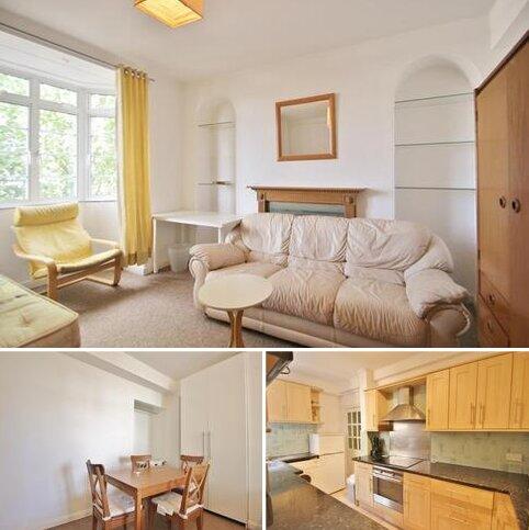 3 bedroom flat to rent - Latymer Court, Hammersmith Road, Hammersmith, W6