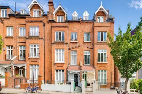 4 bedroom maisonette for sale - Denning Road, London, NW3