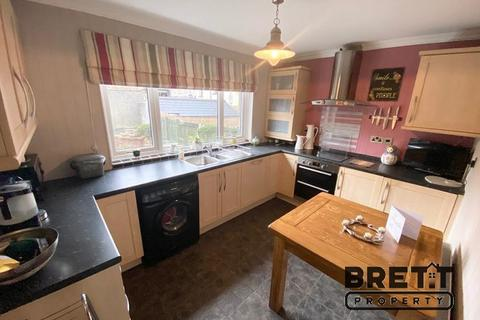2 bedroom semi-detached house for sale - James Street, Neyland, Milford Haven, Pembrokeshire. SA73 1RP
