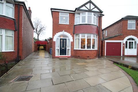 3 bedroom detached house - Chestnut Drive, , Sale, M33 4HH