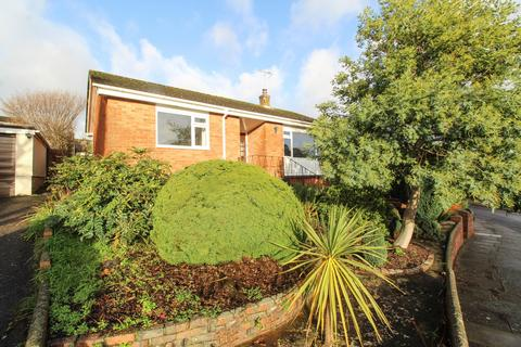 2 bedroom detached bungalow for sale - Shakespeare Close, Torquay