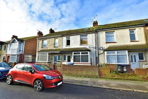 4 bedroom terraced house - Hereson Road, Ramsgate