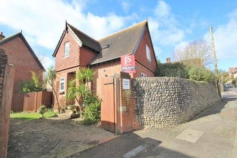 3 bedroom detached house for sale - Sussex Court, High Street, Findon, Worthing BN14 0QZ