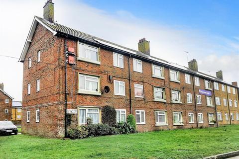 1 bedroom flat - Langney Rise, Eastbourne