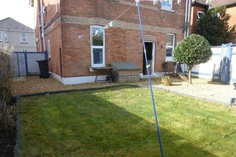 2 bedroom ground floor flat - Morley Road, Bournemouth, BH5