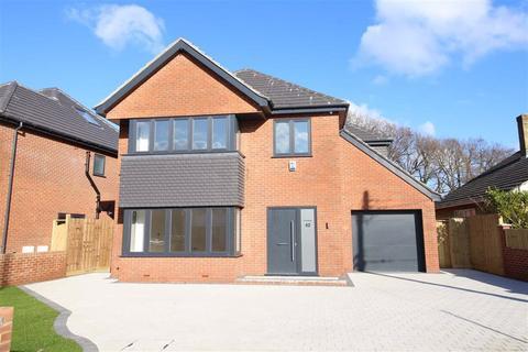 4 bedroom detached house for sale - Lymington Road, New Milton, Hampshire