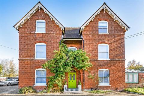 7 bedroom detached house for sale - High Street, Littleton Panell