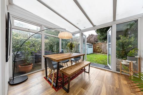 2 bedroom flat for sale - Baytree Road, SW2
