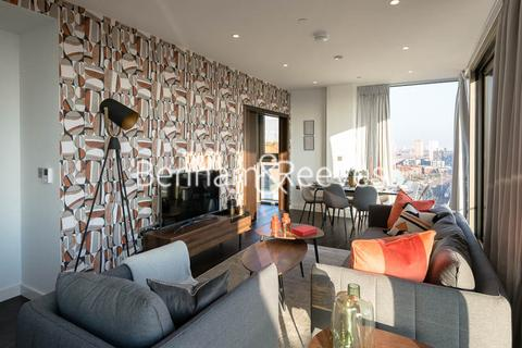 3 bedroom apartment to rent - Rosemary Building, Royal Mint Gardens, E1