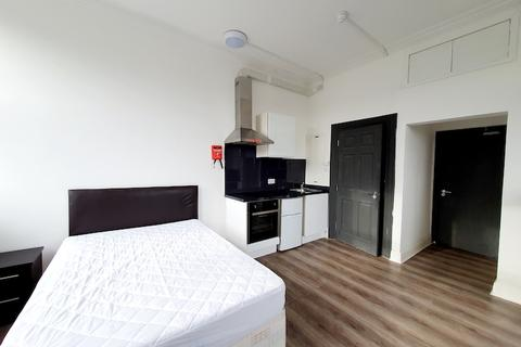 Studio to rent - WOOLWICH RD SE7
