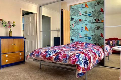 Studio to rent - Howells Court, - George Street, Brighton