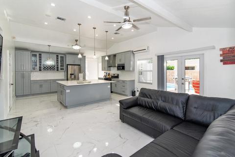 5 bedroom house - Bodden Town, 2507, Cayman Islands
