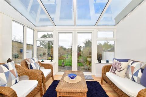3 bedroom detached house for sale - Canadian Avenue, Gillingham, Kent