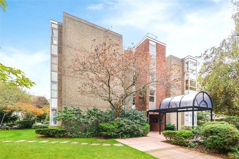 1 bedroom flat for sale - Peregrine House, Sullivan Close, London, SW11