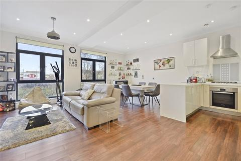 2 bedroom apartment - Astral House, The Runway, Ruislip, HA4